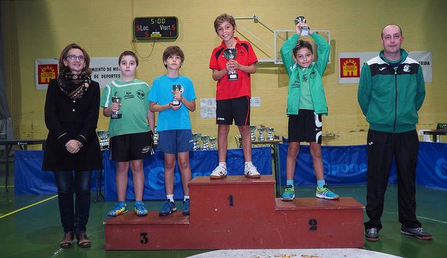 La Asociación Deportiva Tenis de Mesa Almaraz participó en los Campeonatos de Extremadura