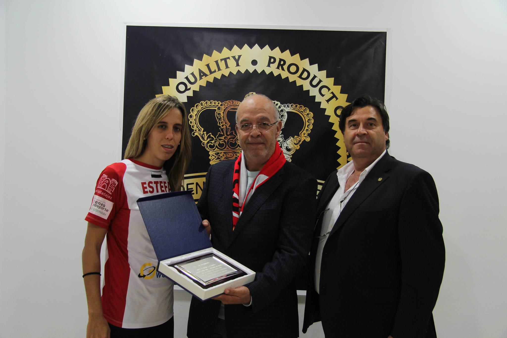 Golden WorldWide y el Santa Teresa Badajoz renuevan su acuerdo de patrocinio