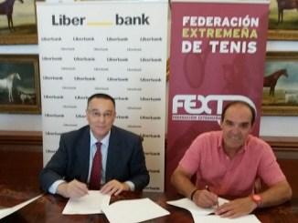 La Federación Extremeña de Tenis firma un acuerdo de colaboración y de patrocinio con Liberbank