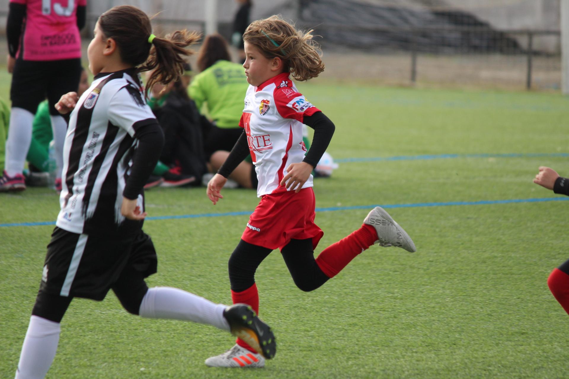 Gran ambiente en el Torneo de Navidad Femenino del Santa Teresa Badajoz (2)