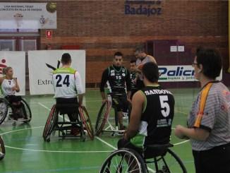 Un gran Mideba Extremadura pelea hasta el final ante CD AMFIV Vigo