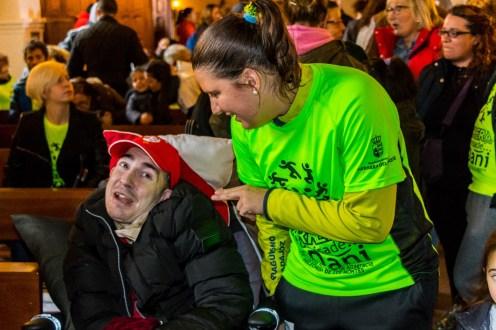 Elena Ayuso, partícipe en una fiesta lúdica, solidaria y deportiva en Helechosa de los Montes (2)