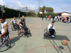 Integrantes del Mideba Extremadura estuvieron en Alburquerque para mostrar el baloncesto en silla de ruedas (1)