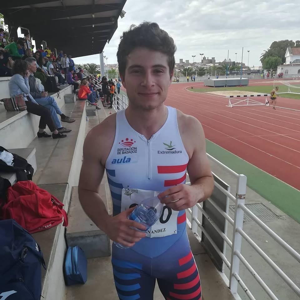 Jara García bate el récord de Extremadura Absoluto de 100M Vallas