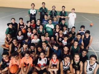 El Campus del San Antonio Cáceres vibra con la visita de Guillermo Corrales