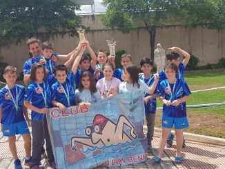 Los benjamines del Club Salvamento Tiendas Pavo Don Benito Campeones de Extremadura