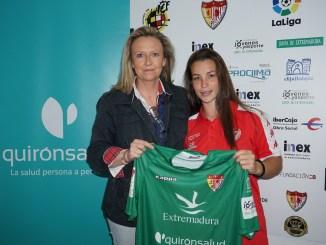 Marta Parralejo renueva con el Santa Teresa Badajoz