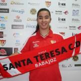Renueva Sofía Melchor, presente y futuro extremeño para el ataque del Santa Teresa Badajoz (3)