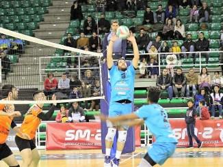 A.D Cáceres y Extremadura Hotel Río Badajoz abren la Superliga2 masculina de Voleibol