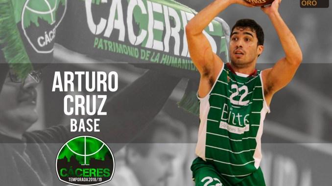 Arturo Cruz se une al Cáceres tras la baja temporal de Andy Mazurczak