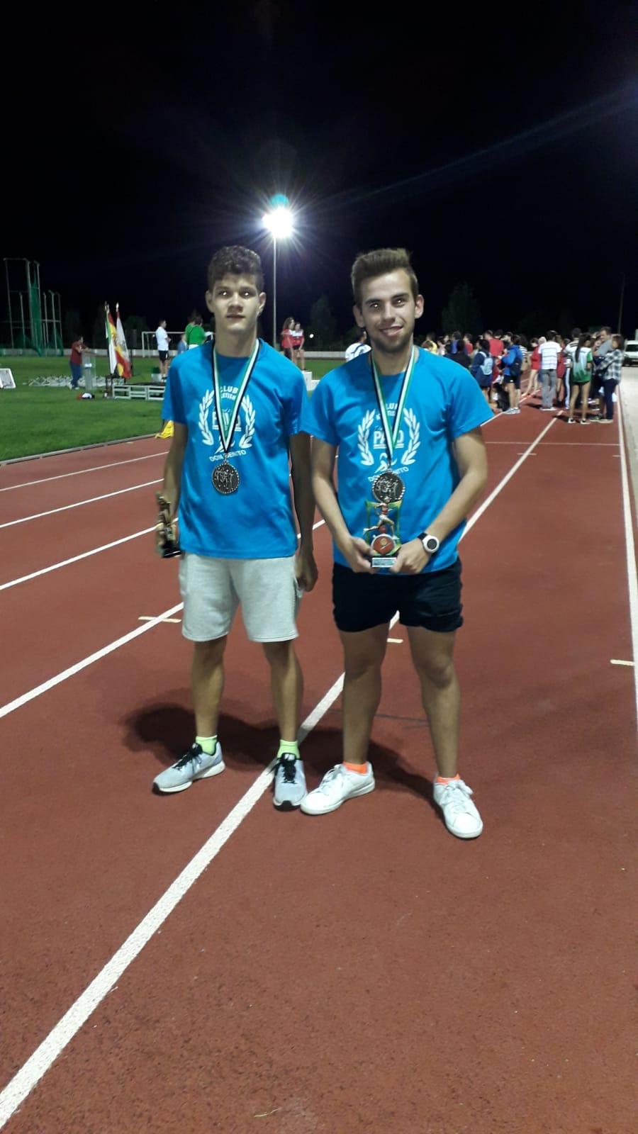 Gerad Milian Escobar y Ángel Aparicio Velarde Subcampeones de Extremadura de Milla en pista