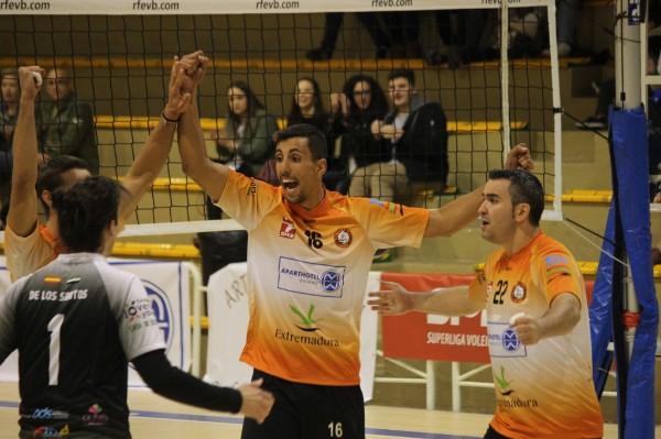 Primera victoria del Extremadura Aparthotel MM Badajoz en un partido muy luchado