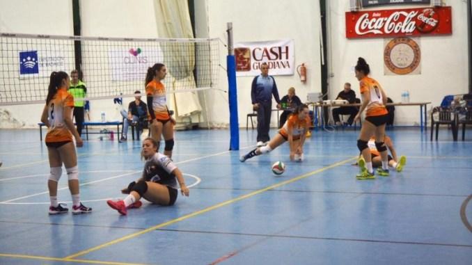 El ApartHotel MM Badajoz Femenino cae ante el Voleibol Rivas (1-3)