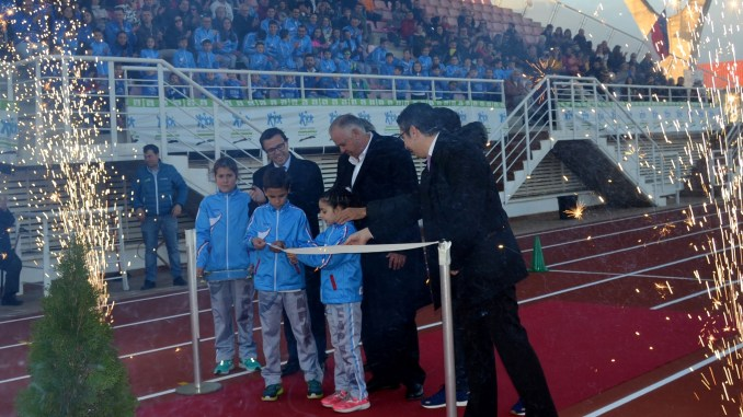 Inauguración de las Pistas de Atletismo de la Ciudad Deportiva de Villafranca de los Barros