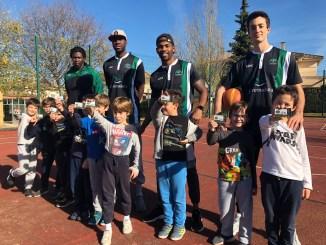 El Cáceres continúa con las visitas a escolares
