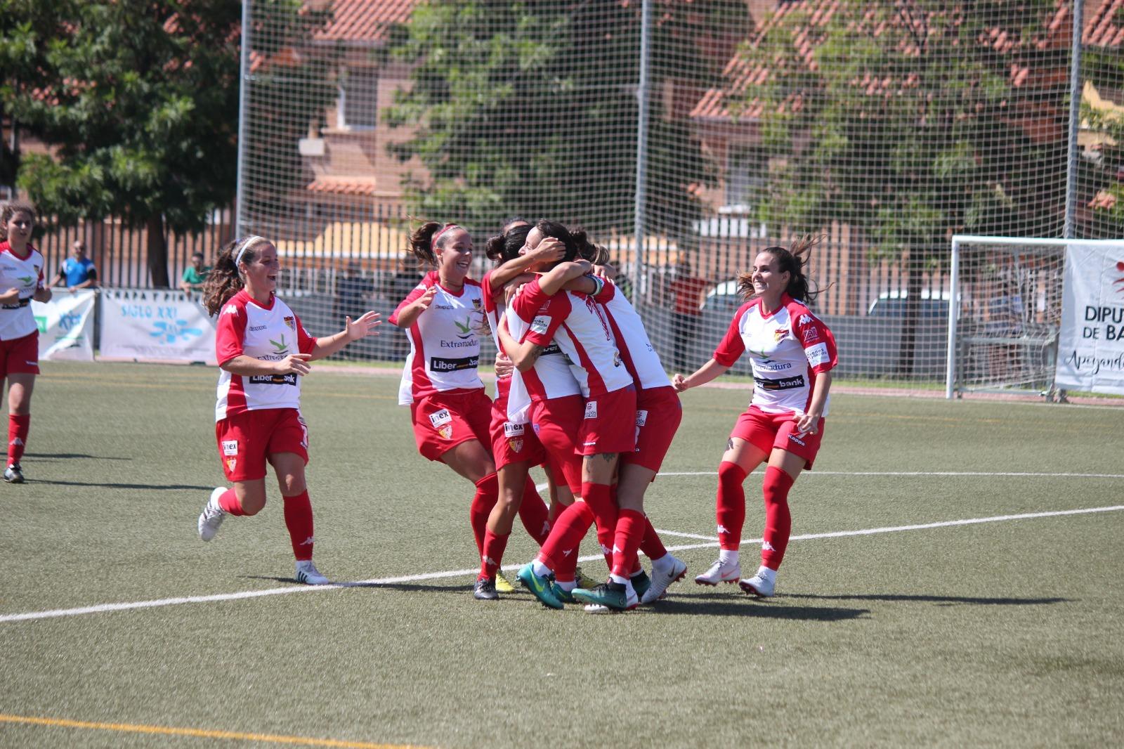 El Liberbank Santa Teresa Badajoz vuelve a casa en un ilusionante partido ante Granada CF