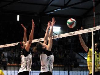 El Extremadura Arroyo echa de menos a Yohana y pierde (3-2) ante Covadonga