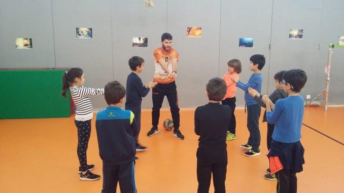 El Club Pacense Voleibol promociona el deporte en más de 10 colegios antes del Campus de Semana Santa