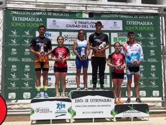 David Puertas y María Remedios Mendoza ganan el V Triatlón Ciudad del Temple