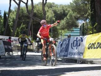 Manu Cordero triunfa en la etapa reina de la Vuelta Andalucía MTB