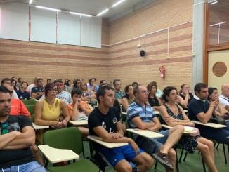 El Club Pacense Voleibol comienza a planificar la temporada recibiendo a los padres de la cantera