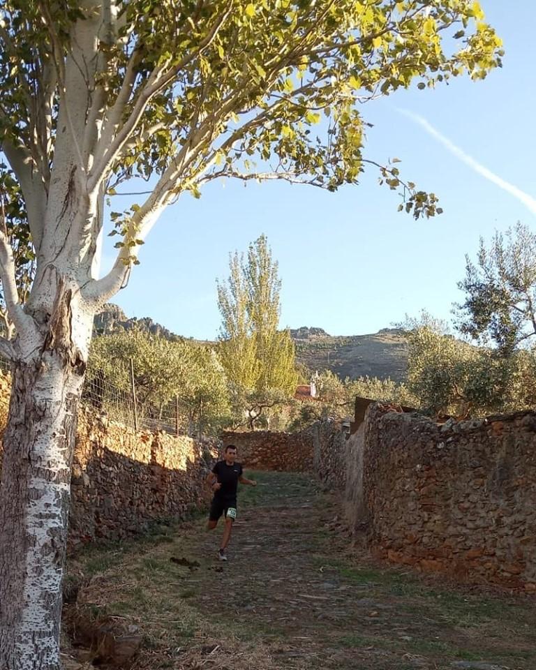 Heras y De la Calle se llevan el Tinajón en el XII Ultra Artesanos de Torrejoncillo
