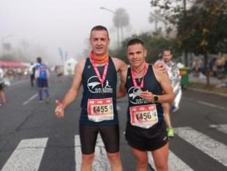 Tres veteranos del Club Atletismo Tiendas Pavo Don Benito en la Media Maratón de Sevilla
