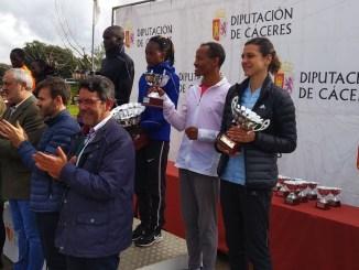 Thomas Ayeko y Sarah Chelangat ganadores del Gran Premio Cáceres de Campo a Través de la Diputación provincial
