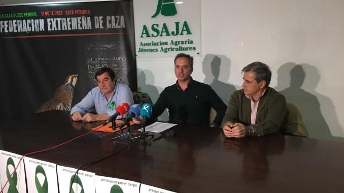 FEDEXCAZA y ASAJA Extremadura presentan sus propuestas para el desarrollo de la Ley de Caza