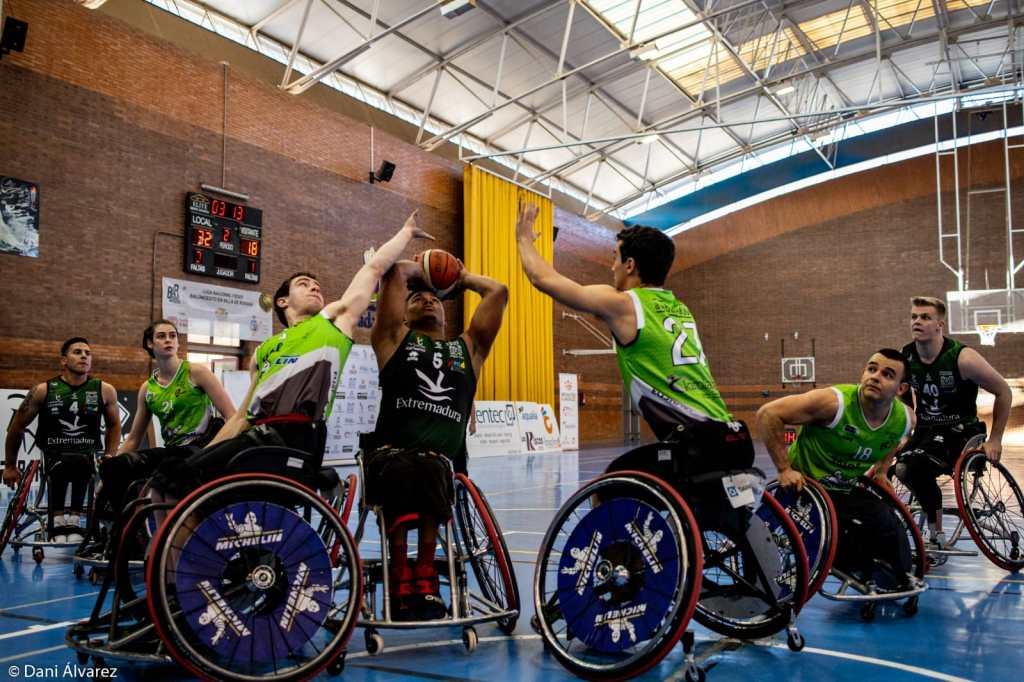 Triunfo holgado del Extremadura Mideba Calero Suministros ante el Fundación Vital Zuzenak