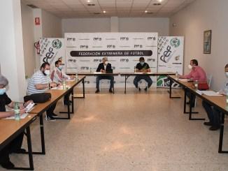 La FEXF y los clubes de 3ª División acuerdan celebrar los Play-Off de ascenso en Mérida