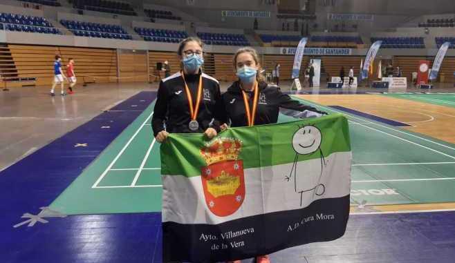 Deportistas sección Badminton AD Cura Mora