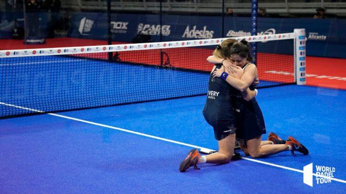 ariana-sanchez-paula-josemaria-semifinales-estrella-damm-alicante-open-2021_dsc7366-copia-1100x618