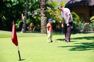 beneficios jugar golf