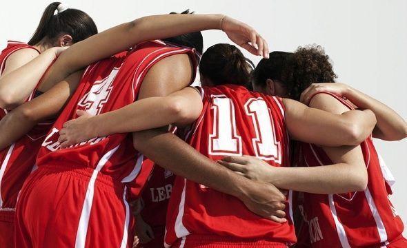 beneficios del deporte en equipo