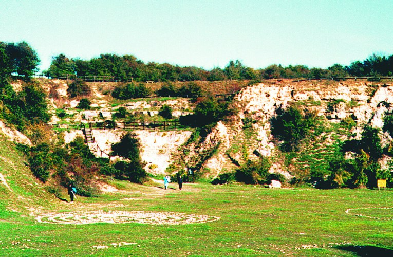 Fossil hunting in Oxfordshire, UK