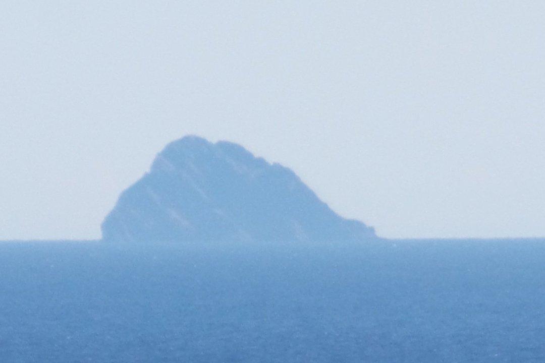 Isla de Jabuka desde el Eurodam