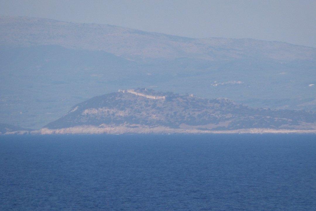 Palaiokastro desde el mar