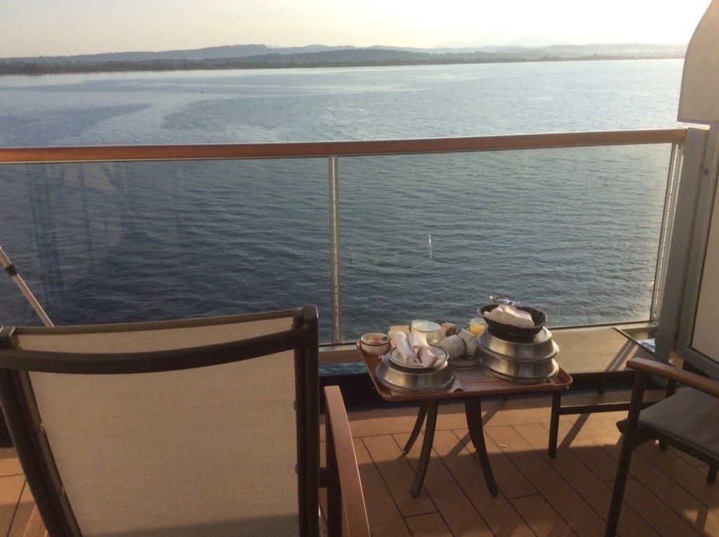 Desayuno frente al Peloponeso