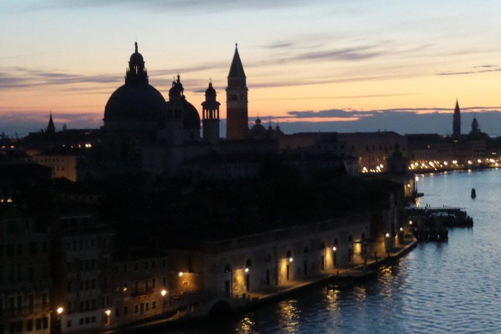 Santa María de la Salute al amanecer
