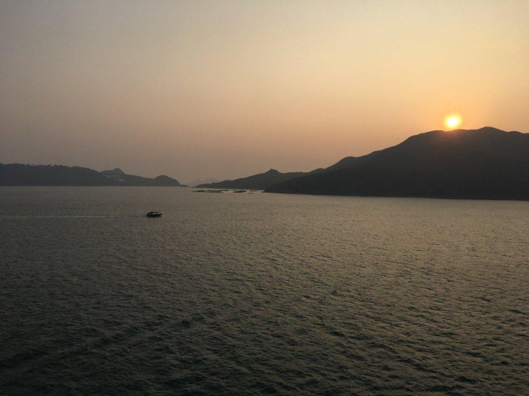 Amanecer sobre la isla de Tung Lung Chao