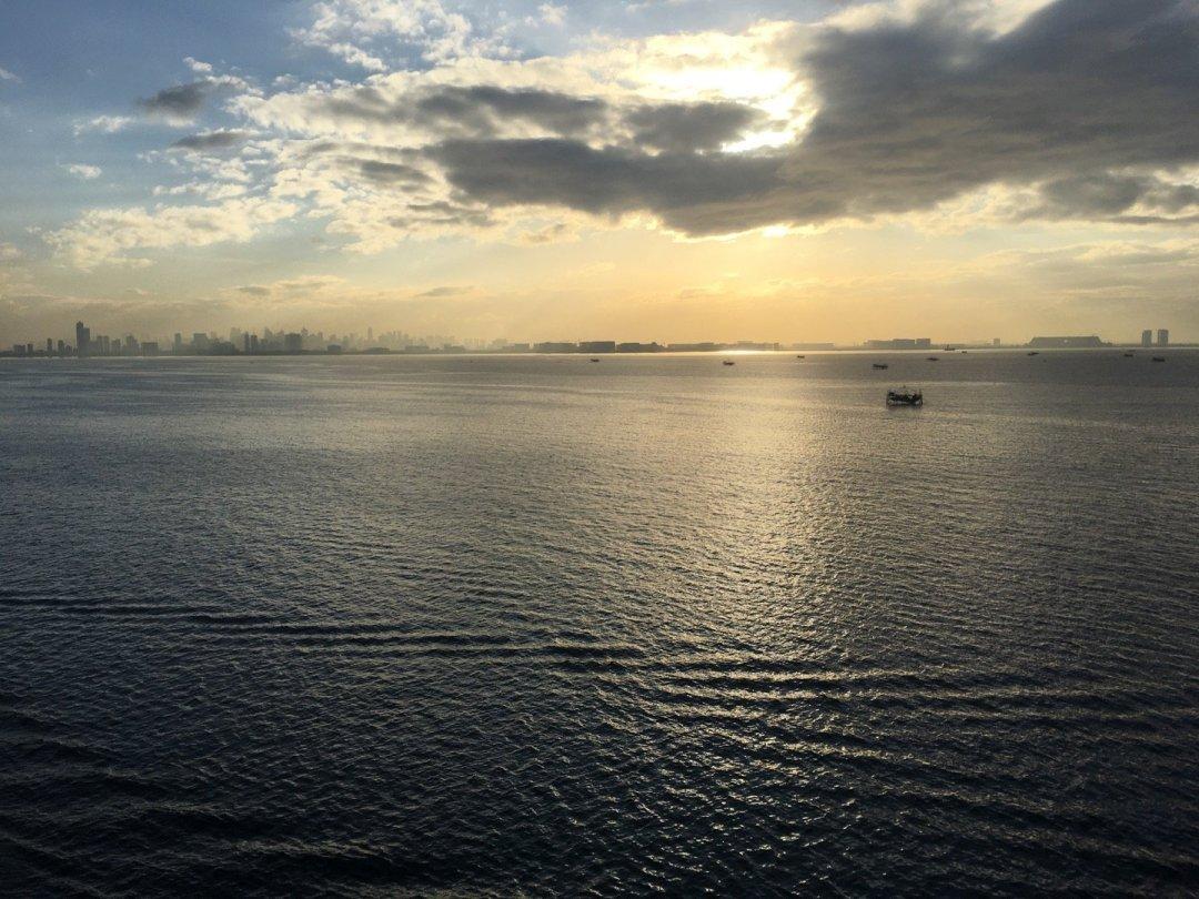 Llegando a Manila al amanecer
