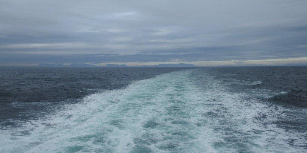 Dejando Islandia atrás