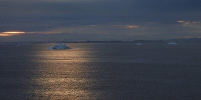 Iceberg y contraluz
