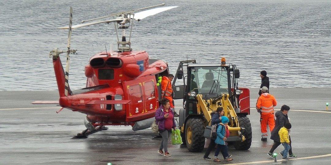 Llegando a Qaqortoq en helicóptero