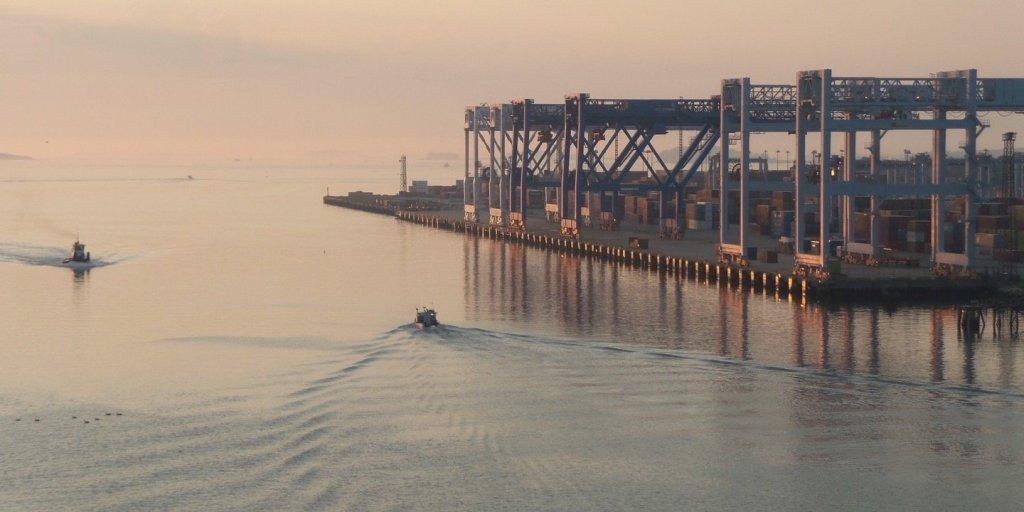 Amanecer en el puerto de Boston