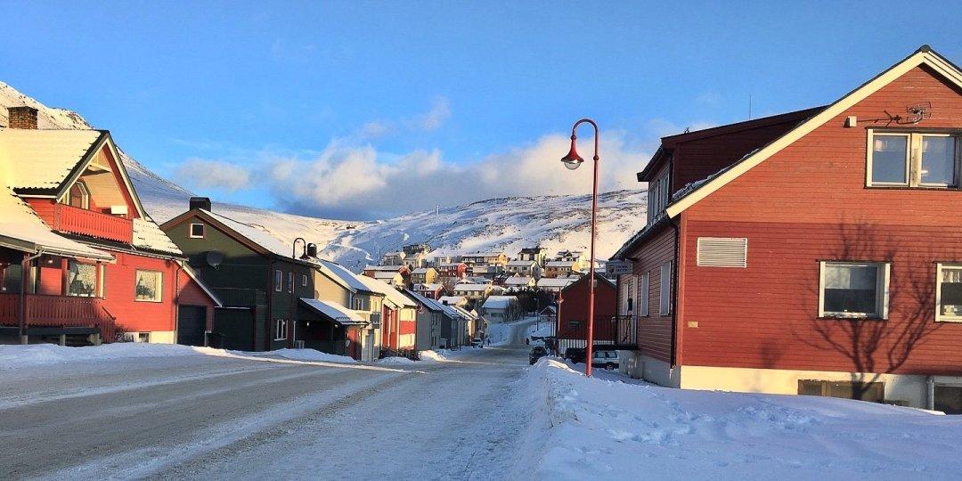 Calles nevadas de Honningsvåg