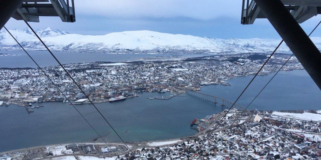 Tromsø desde la estación superior del Fjellheisen