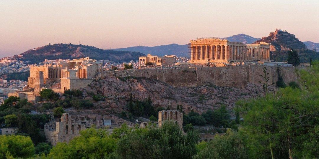 Últimos rayos de sol sobre la Acrópolis
