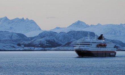 Hurtigruten: un viaje épico hacia el ártico noruego